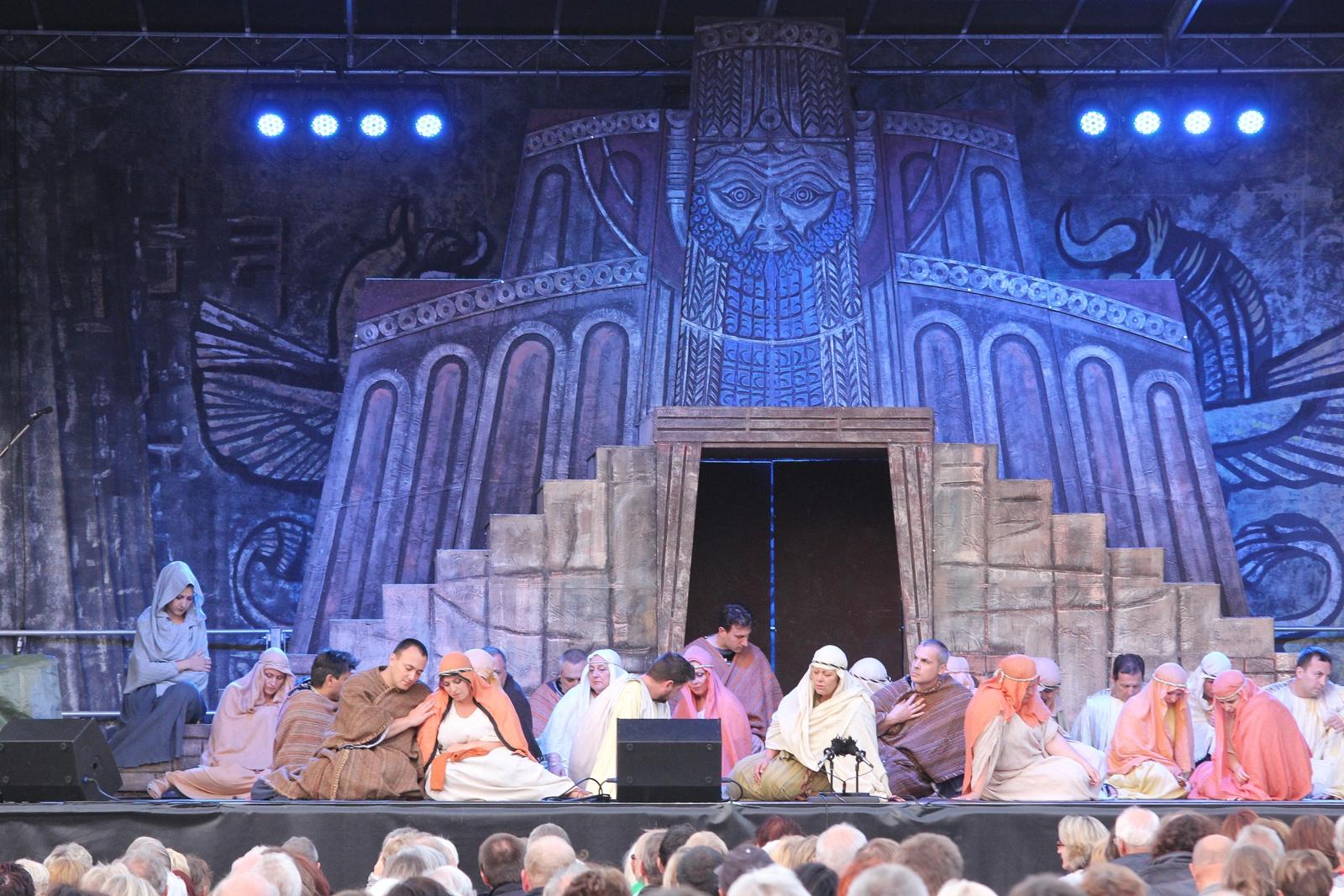 Nabucco – Opernaufführung am Paradeplatz